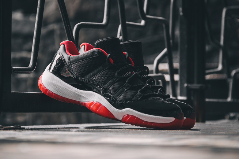 Air Jordan 11 Retro Low « True Red »