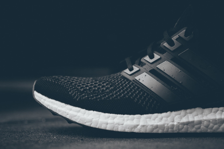 adidas-ultra-boost-black-white-2