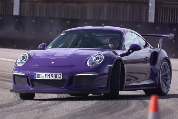 Chris Harris se fait plaisir avec la Porsche 911 GT3 RS