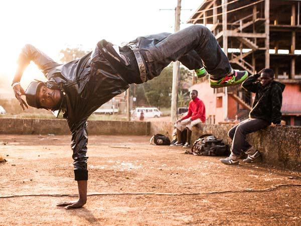 Shake the Dust : un clip inédit du docu de Nas