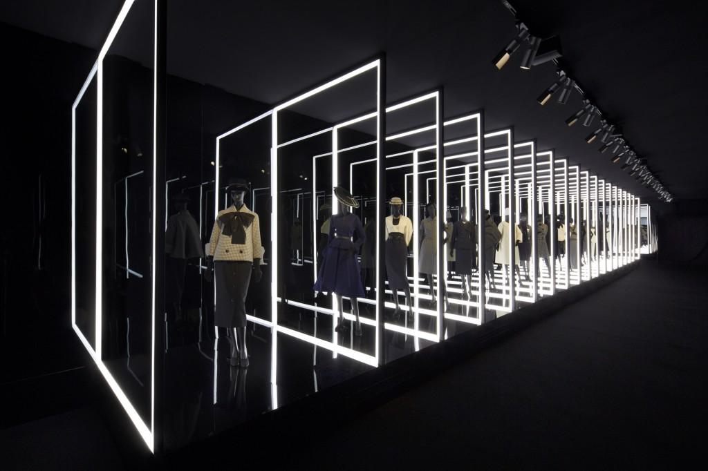 Penchez vous sur l'exposition «Esprit Dior» à Séoul (VIDEO)