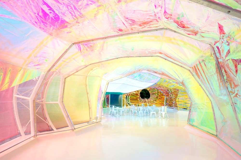 La Serpentine Gallery 2015, vue de l'intérieur, a des allures de labyrinthe du bonheu