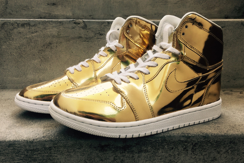 Air Jordan 1 « Liquid Metal » : on poursuit la série dorée !