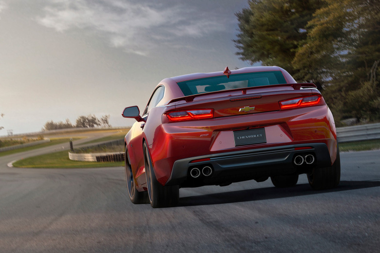 chevrolet-reveals-the-slimmed-down-2016-camaro-5