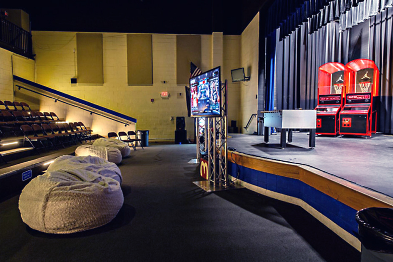 jordan-brand-renovates-michael-jordans-high-school-gym-for-its-30th-anniversary-04