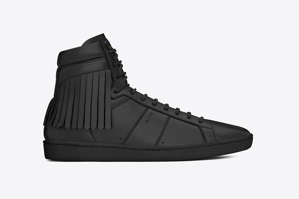 Back to Black avec les « Murdered-Out » de Saint Laurent