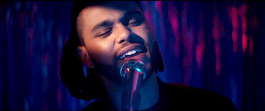 The Weeknd dévoile le clip du tubesque « I Can't Feel My Face »