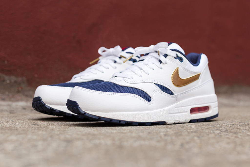 a-closer-look-at-the-nike-air-max-1-essential-olympic-2