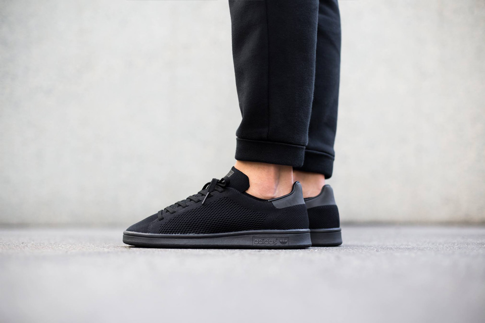 Adidas présente la Stan Smith All-Black Primeknit !