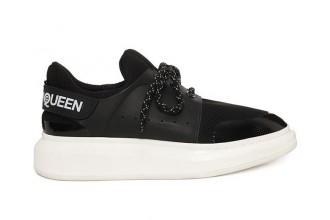 Une nouvelle sneakers nommée Harness chez Alexander McQueen