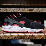 "Nike dévoile une nouvelle Air Huarache ""Black / University Red"""