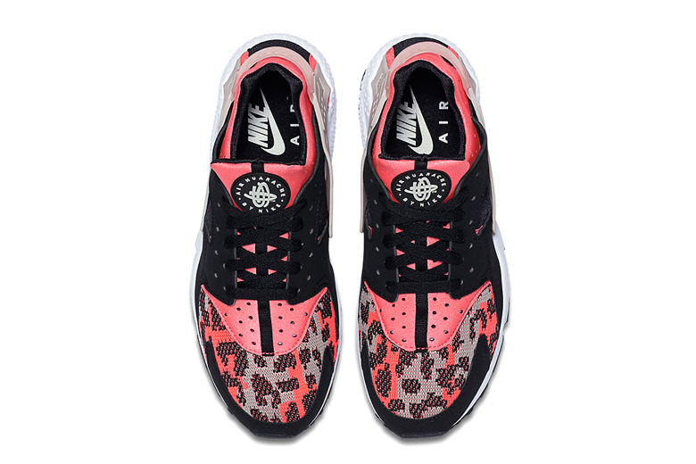 nike-air-huarache-hyper-pink-wolf-grey-black-2