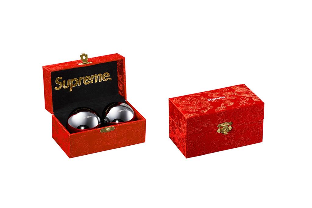 Supreme-2015-fall-winter-accessories-collection-12