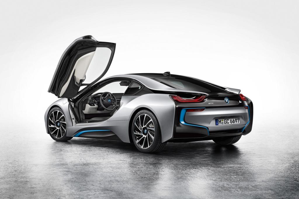 bmw-debuts-the-i8-hybrid-sportscar-5