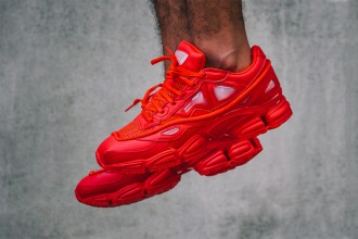 """Raf Simons x adidas Consortium : une nouvelle collab' nommée Ozweego 2 """"Red"""""""