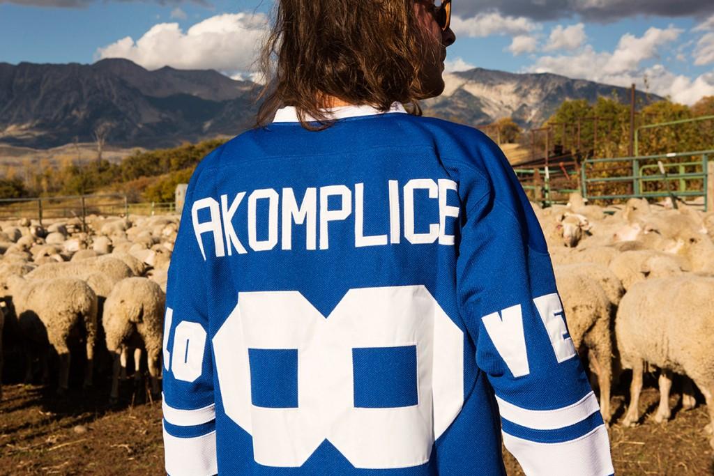 Akomplice VSOP en plein trip bucolique dans son lookbook automne/hiver 2015