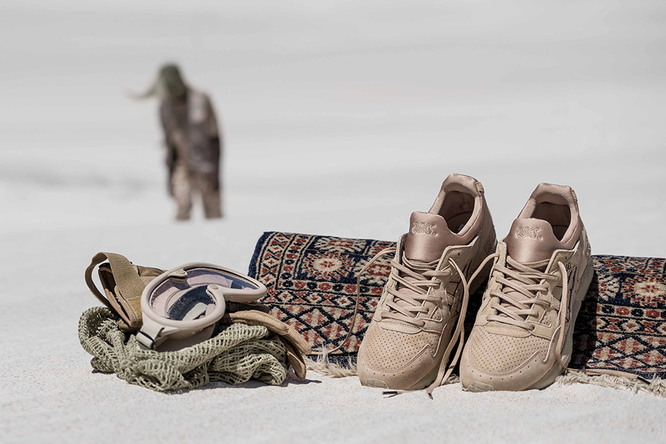 asics-x-monkey-time-gel-lyte-v-sand-layer-1