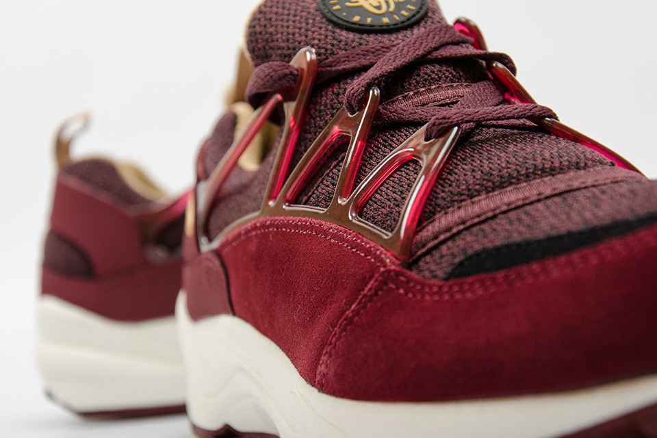 nike-air-huarache-light-burgundy-gold-06 (1)