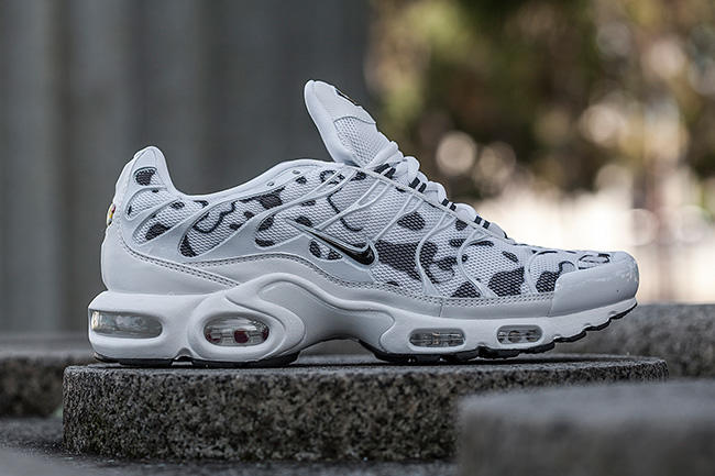 nike-air-max-plus-camo-footlocker-au-3_ny0zok