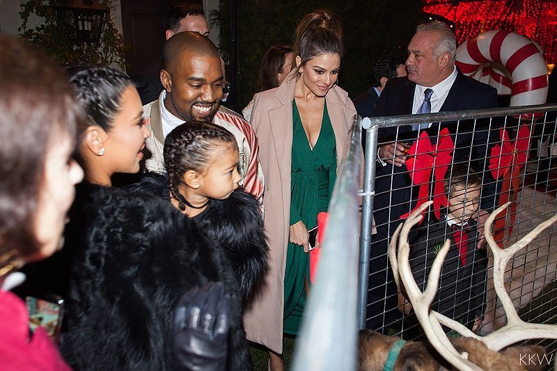 Kardashian-Christmas-Party-2015-Pictures-1