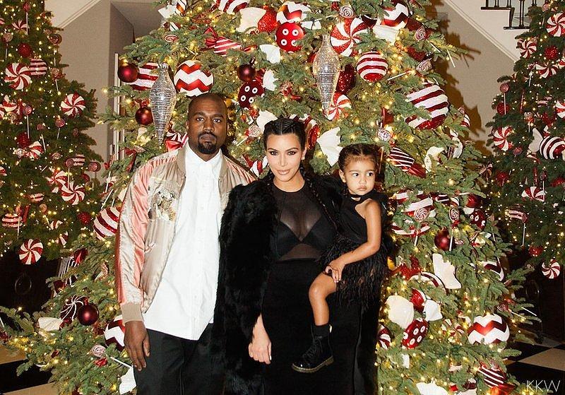 Kardashian-Noel-2015