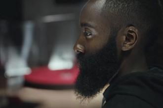 La première pub Adidas de James Harden et sa barbe