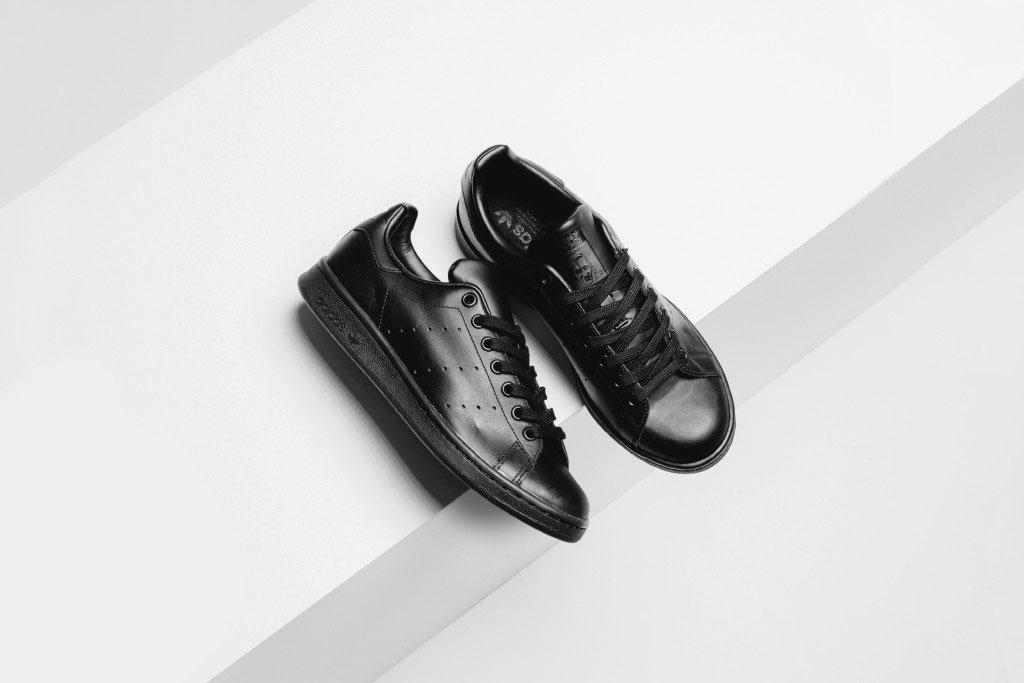 adidas-originals-stan-smith-all-black-1