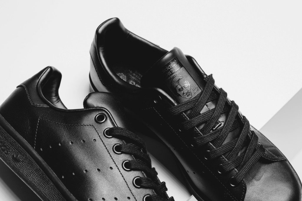 adidas-originals-stan-smith-all-black-3