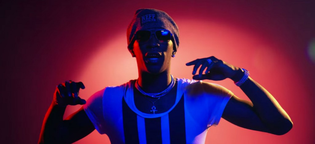 Young Thug se dandine devant l'American flag dans « Everyday » ft. DJ Holiday