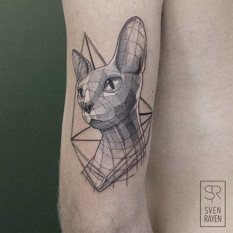 Les tattoos géométriques de Sven Rayen