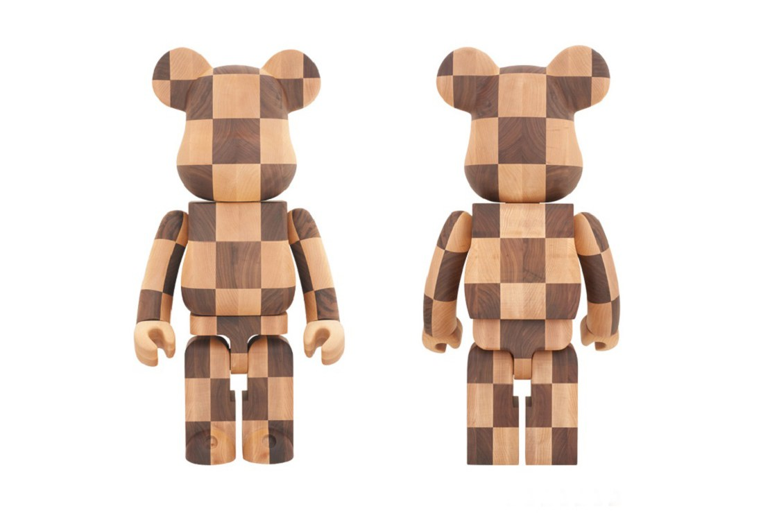 Le Bearbrick en bois de Karimoku x Medicom Toy