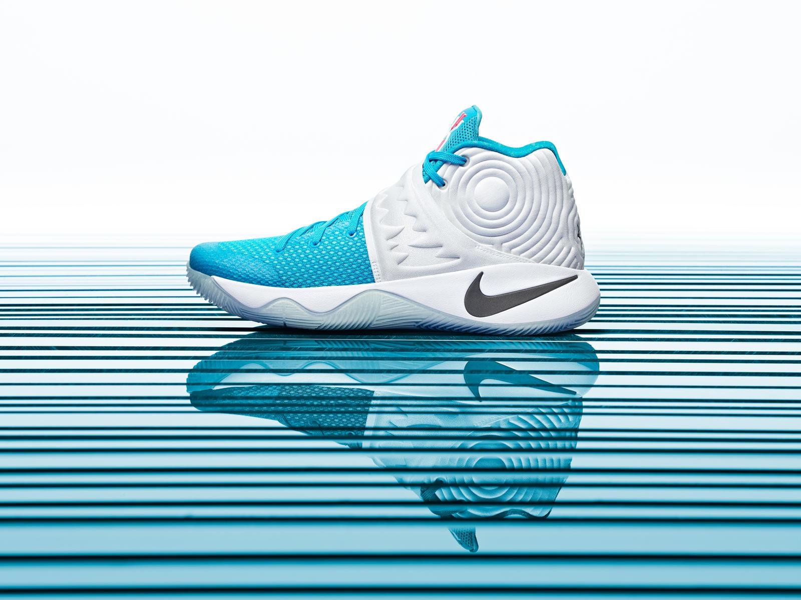 Nike Kyrie 2 Christmas Pack
