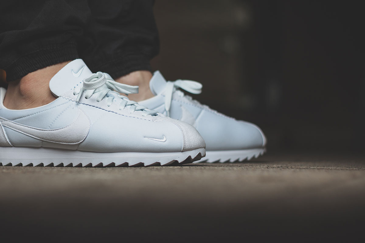 nike-classic-cortez-shark-low-all-white-02 (1)