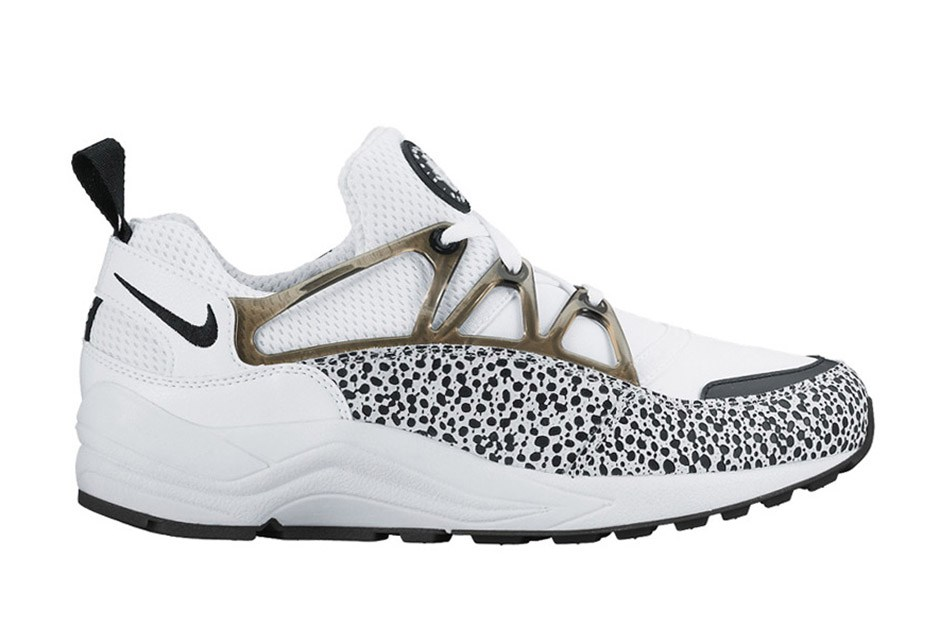 nike huarache air light safari