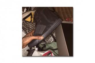 Kim Kardashian & Travis Scott confirment l'arrivée de la Yeezy Boost 750 Triple Black