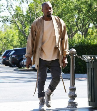 Kanye West GOOD Fridays (2)