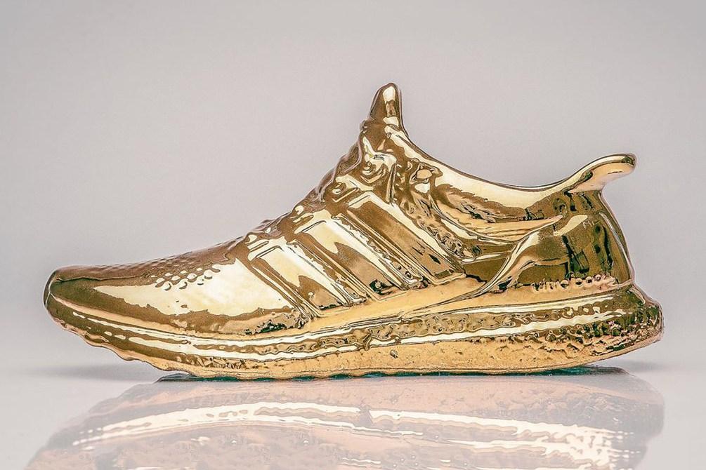 Les Ultra Boost d'Adidas recréées en or et en céramique par Lee Chun