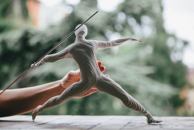 L'artiste raya sader bujana a réalisé une oeuvre tout en papier pour les jeux olympiques