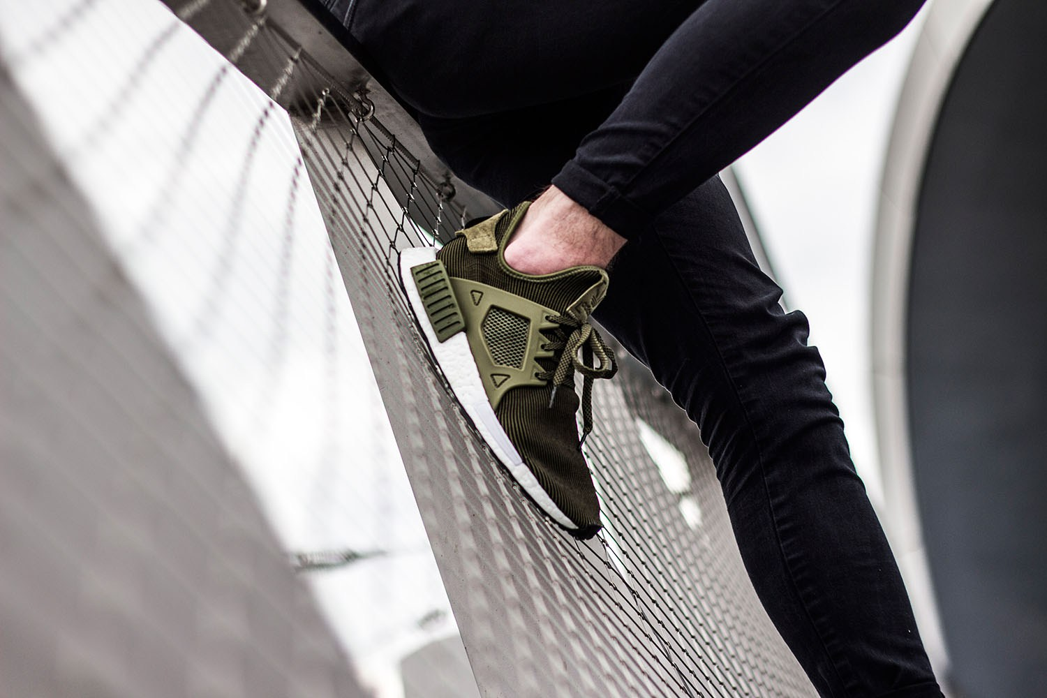 adidas-originals-nmd-xr1-olive-2