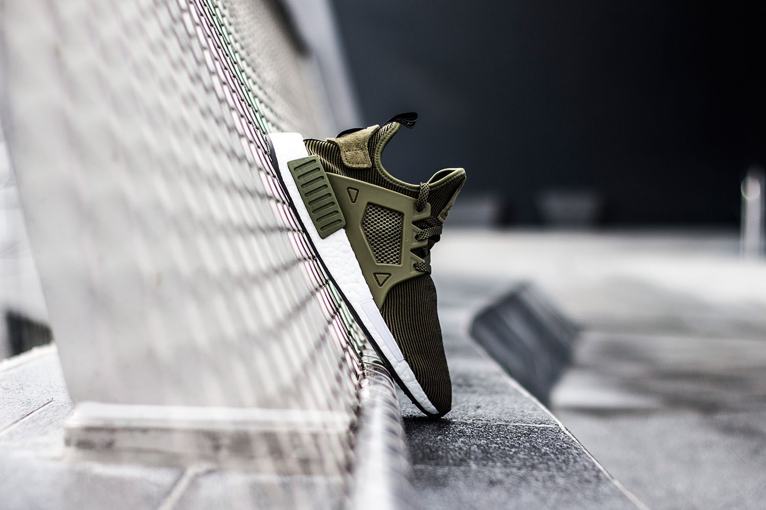 adidas-originals-nmd-xr1-olive-4