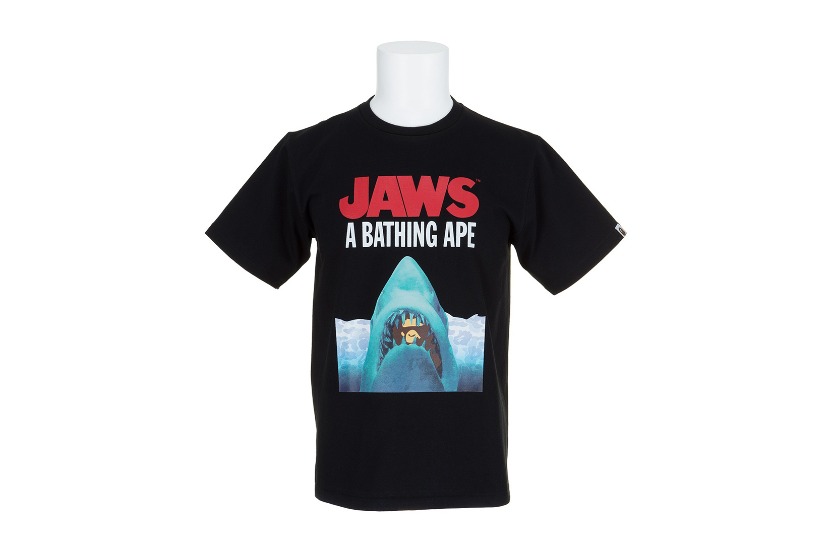 BAPE x Jaws : une collection étonnante