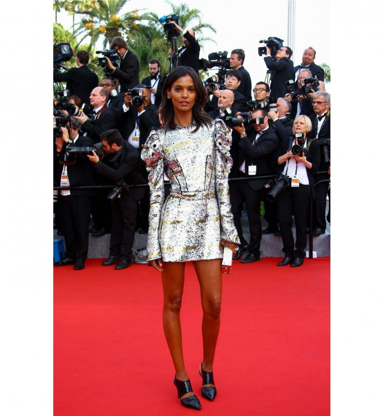 Liya Kebede lors de la cérémonie d'ouverture du festival de Cannes 2016