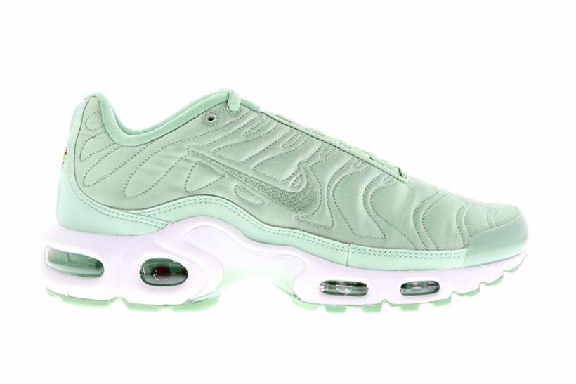 Nike Air Max Plus : Du satin et deux nouvelles couleurs