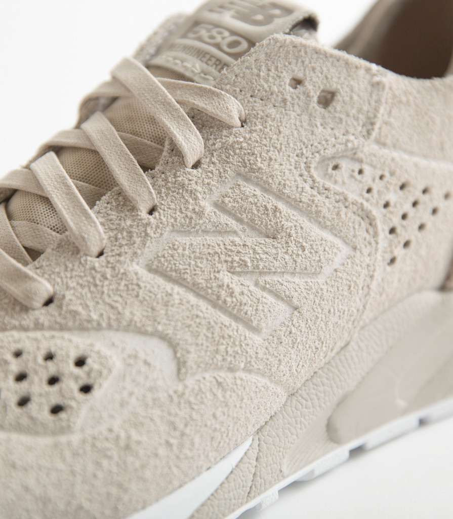 New Balance x Wings+Corns : La 580 deconstructed