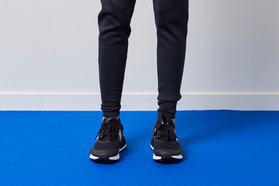 Adidas Originals et White Mountaineering collaborent pour quatre sneakers.3