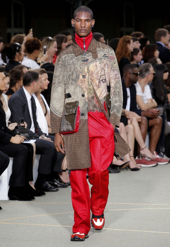 Givenchy ss17 - TRENDS periodicalGivenchy ss17 - TRENDS periodical