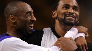 Kobe-Bryant-et-Ronny-Turiaf