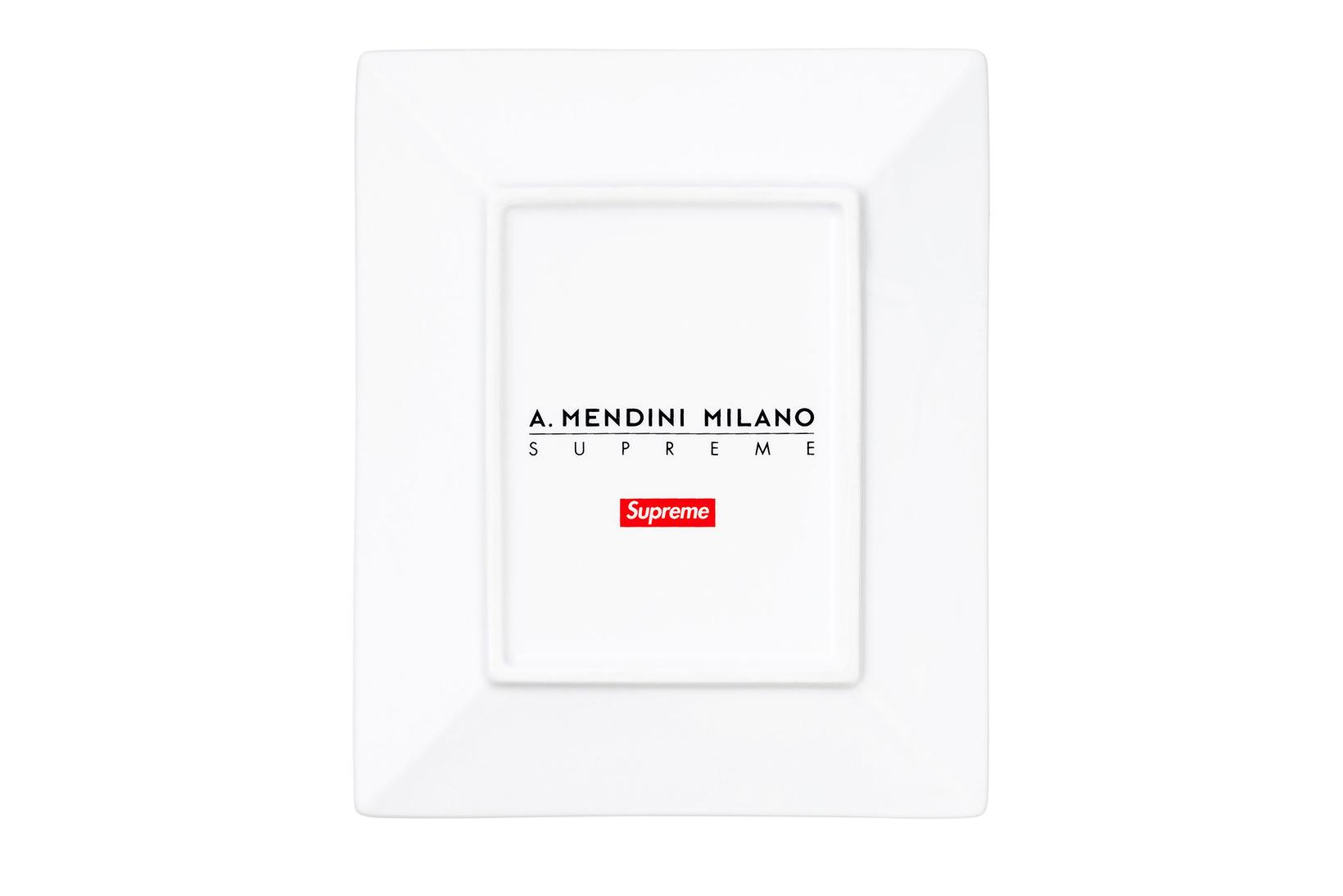 Supreme et Alessandro Mendini s'associent pour créer des plateaux décoratifs