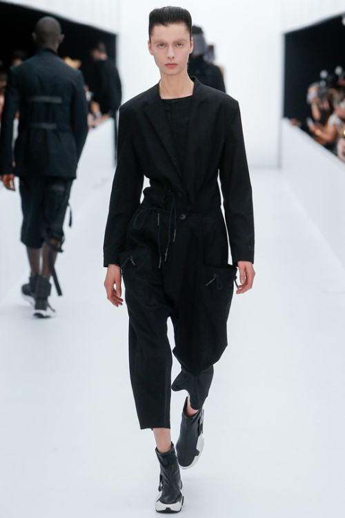 Y-3 - TRENDS periodical