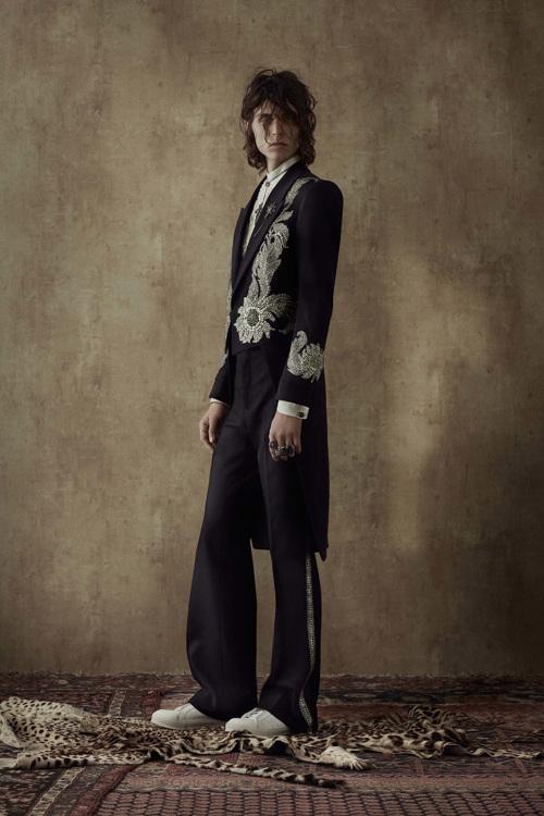 Le lookbook menswear alexander mcqueen ss 2017